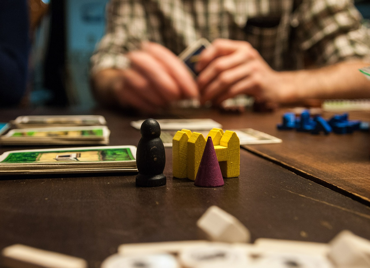 Magilano skyjo,  le nouveau jeu de société idéal pour se divertir.